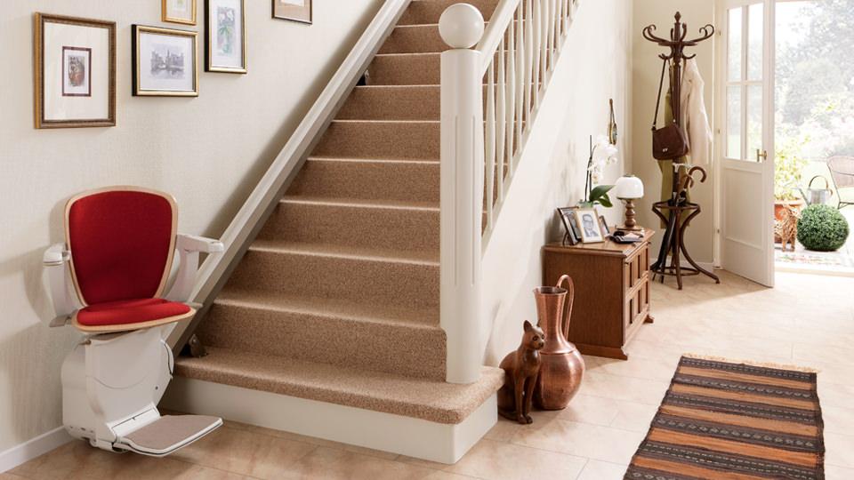 lifta klassik design bilder lifta der treppenlift. Black Bedroom Furniture Sets. Home Design Ideas