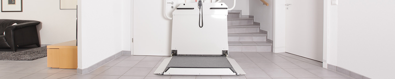 rollstuhllifte f r innen au en lifta der treppenlift. Black Bedroom Furniture Sets. Home Design Ideas